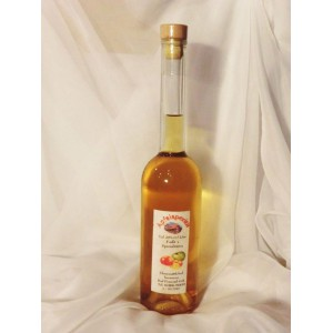 Edler Apfelaperitif mit Fruchtauszug